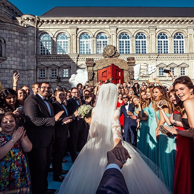 wedding-photos-follow-me-to-couple-murad-osmann-natalia-zakharova-4.jpg