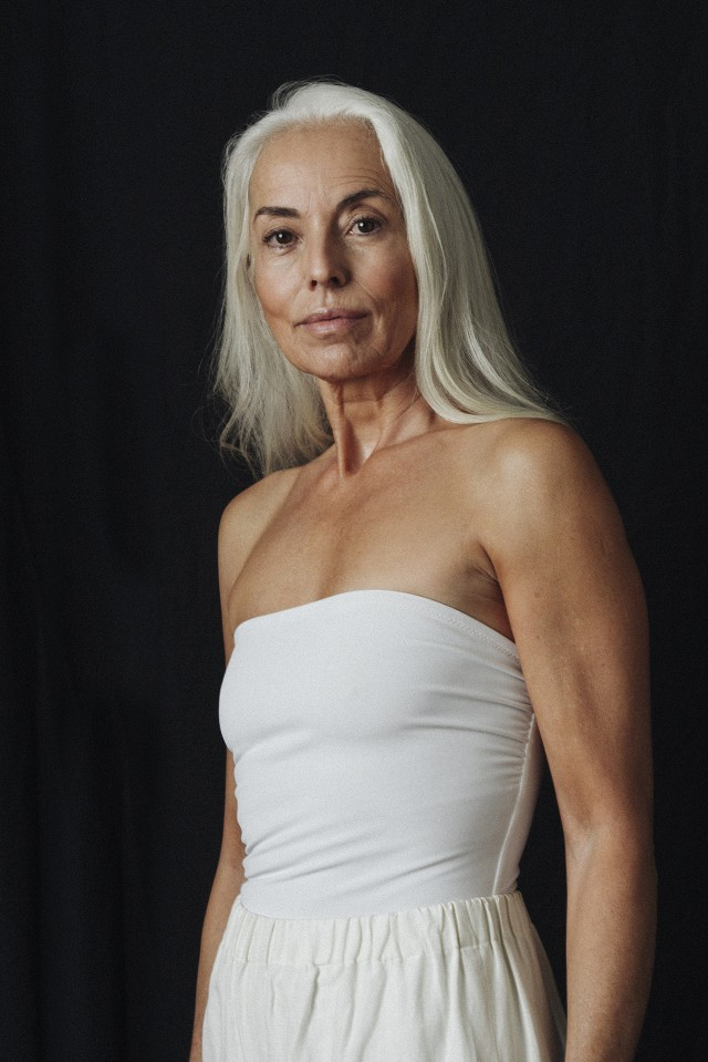 this-60-year-old-kills-it-in-a-new-swimwear-campaign-1704975-1458613158_640x0c.jpg