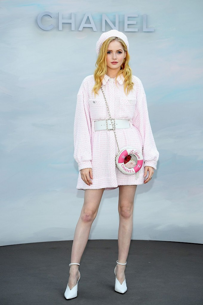 ellie_bamber_in_chanel.jpg